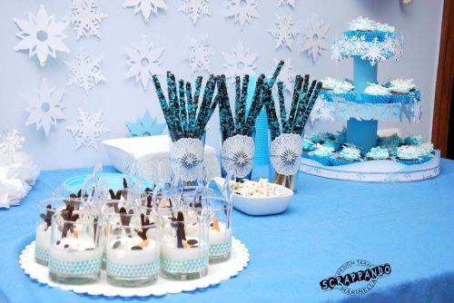 Un compleanno nel regno di ghiaccio di frozen scrappando for Tavolo 18 anni ragazzo